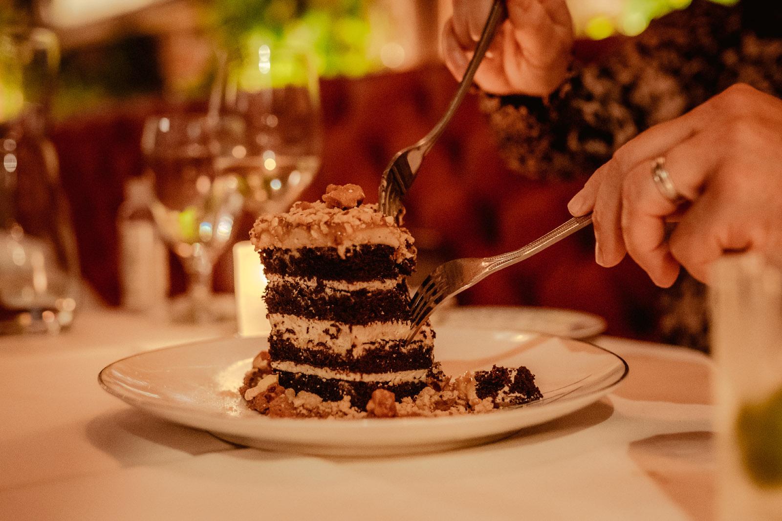 Romantic Cake Bite